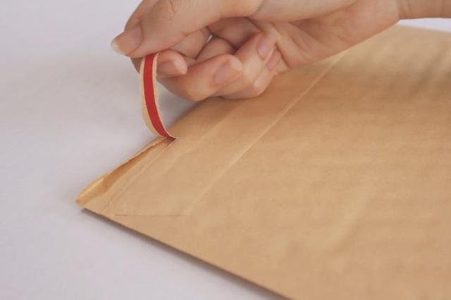 クッション封筒の開封テープ